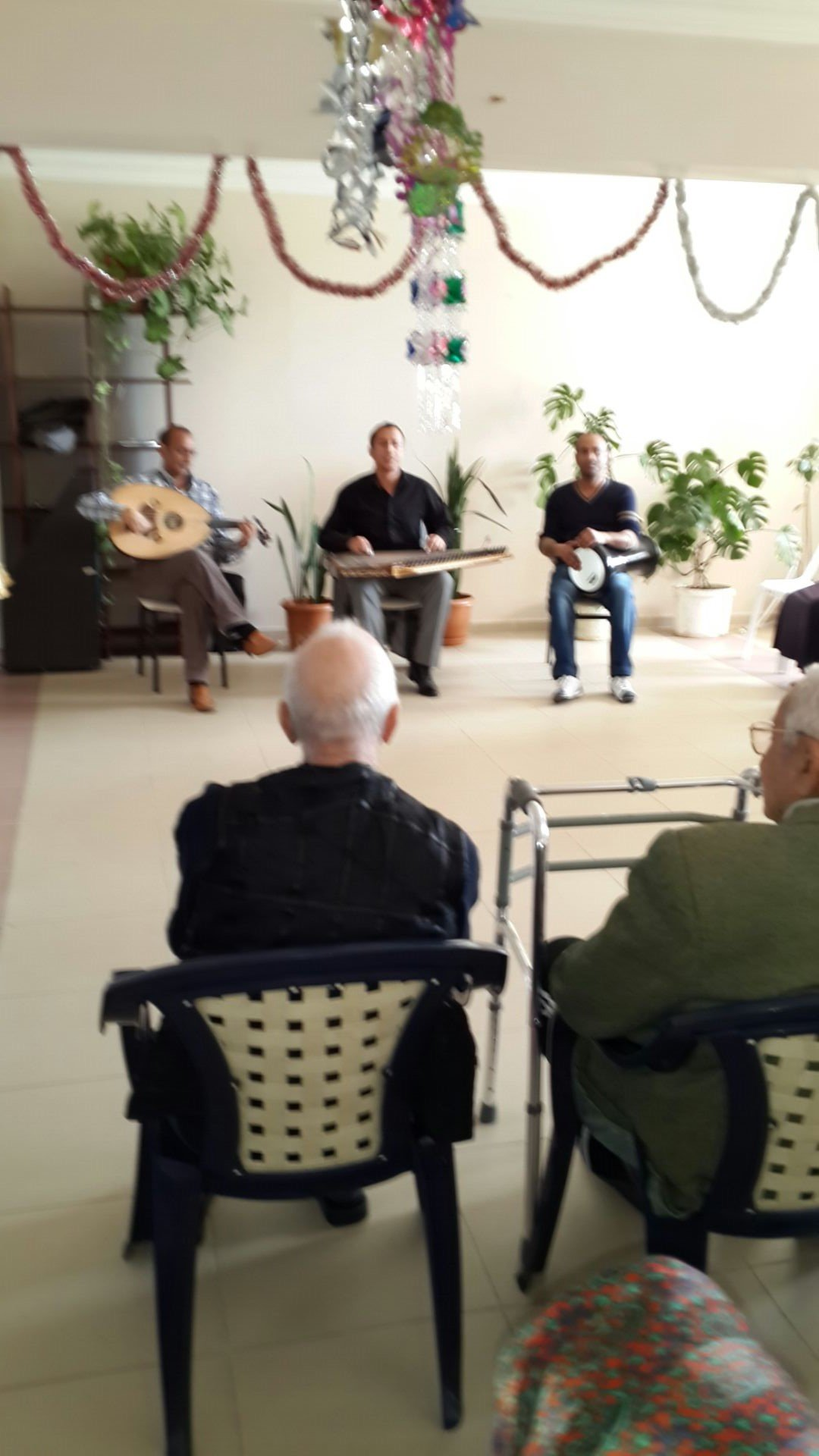 Yaşlılara müzik Dinletisi