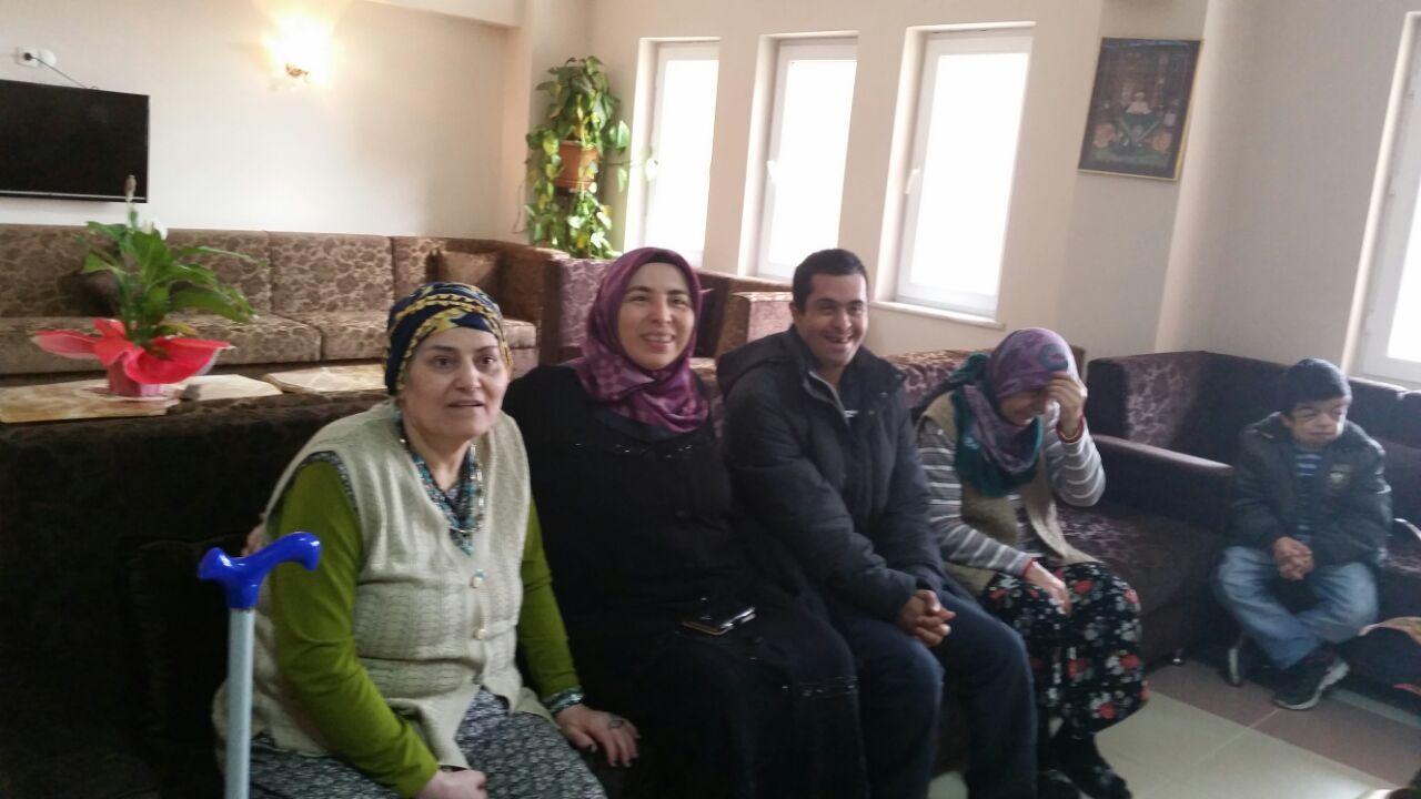 Yaşlı Ziyaretçilerimiz